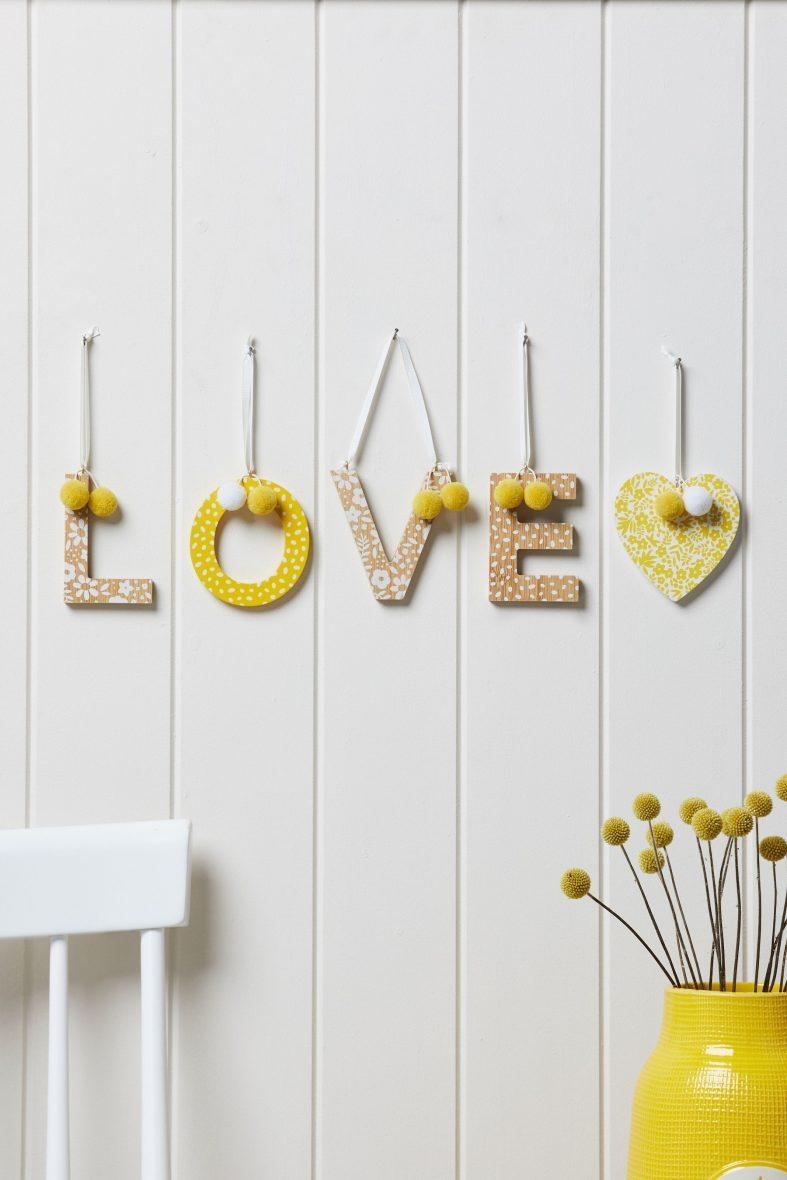 Çocuk Odası Kalpli Tekli Ahşap Harfler Duvar Süsü